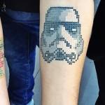 La última tendencia: tatuajes en punto de cruz