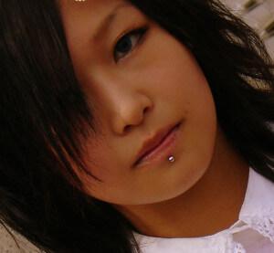 labret-piercing