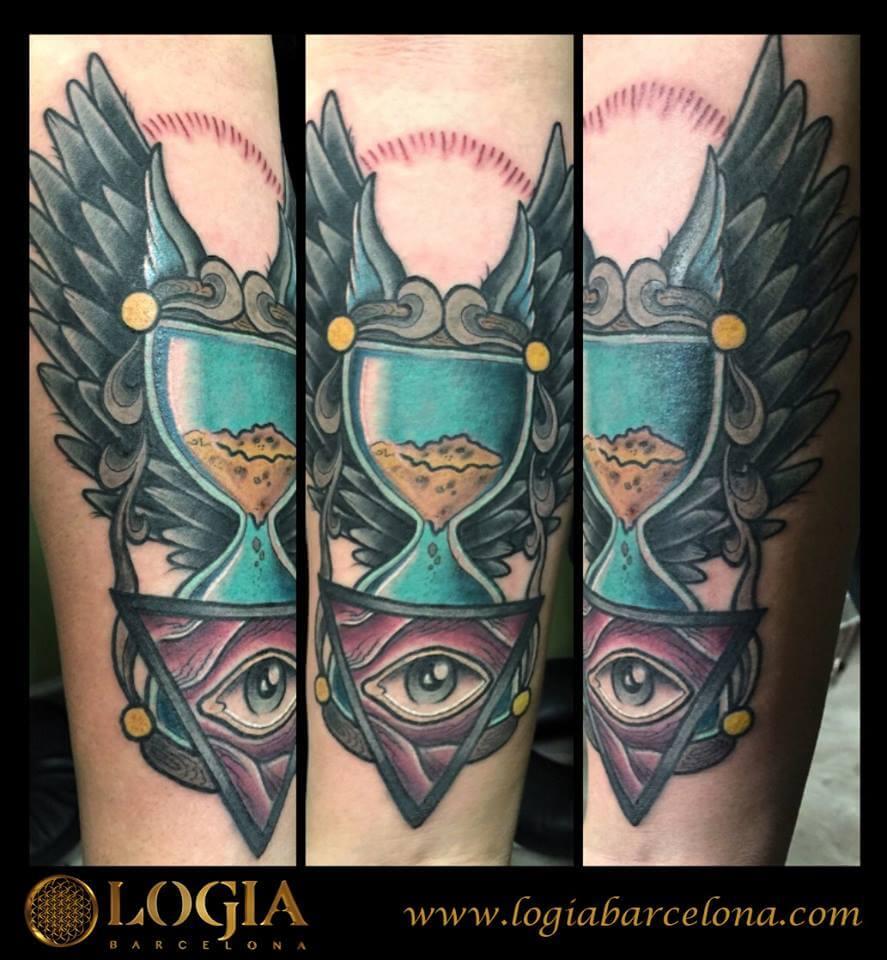 Los tatuajes de relojes tatuajes logia barcelona for Reloj para tatuar