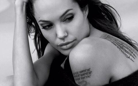Tatuajes: Angelina Jolie