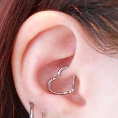 Resultado de imagen de daith piercing