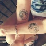 La feminidad de los tatuajes de lunas