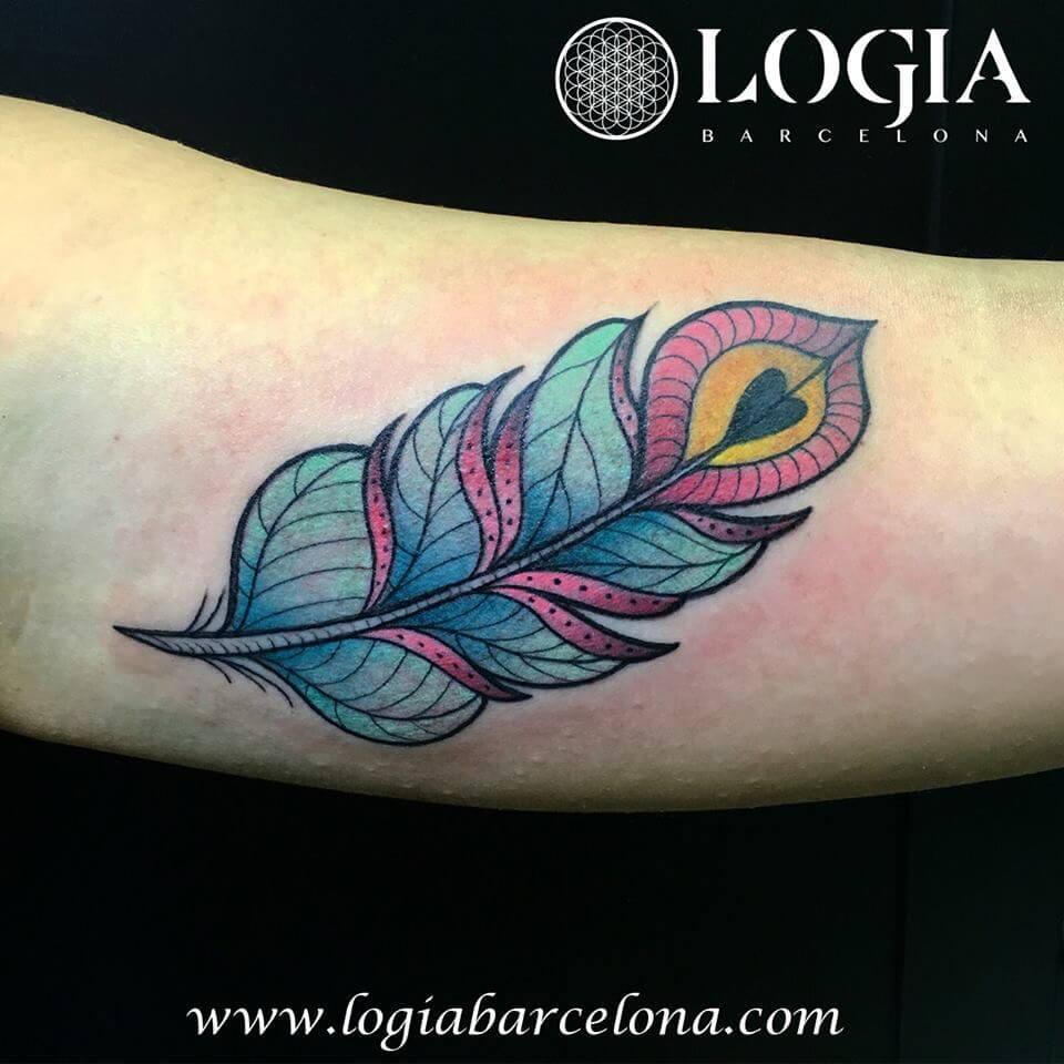 Los Tatuajes De Plumas Tatuajes Logia Barcelona