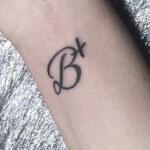 Tatuajes de iniciales: Los que nunca pasan de moda
