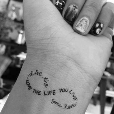 El Tatuaje del símbolo infinito
