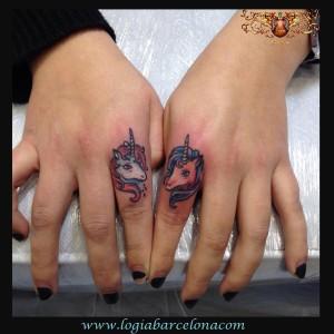 Tatuajes En Las Manos Tatuajes Logia Barcelona