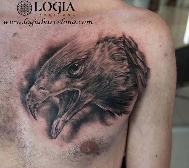 tatuajes en el pecho hombre