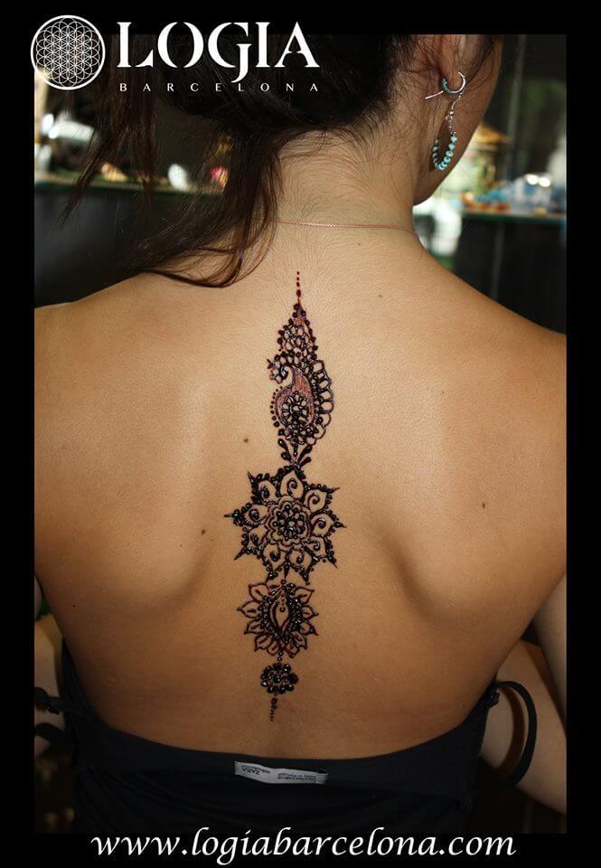 tatuaje henna para mujeres