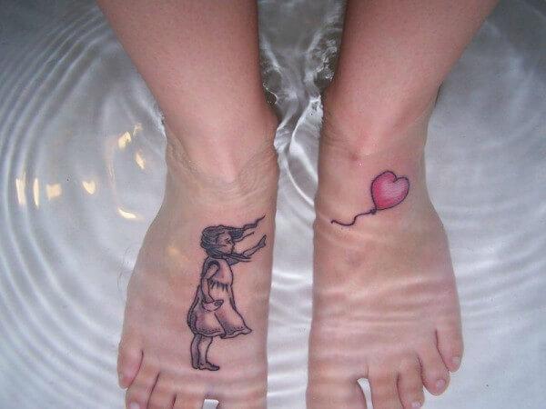 Tatuaje pies Bansky