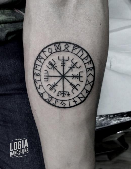 tatuaje vegvisir