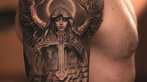 L un tatuaje de tinta virgen maryu