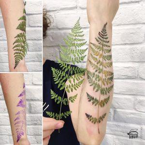 Tatuaje hoja brazo