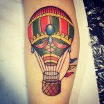 Tatuajes de globos (aerostáticos) para dejar volar tu imaginación