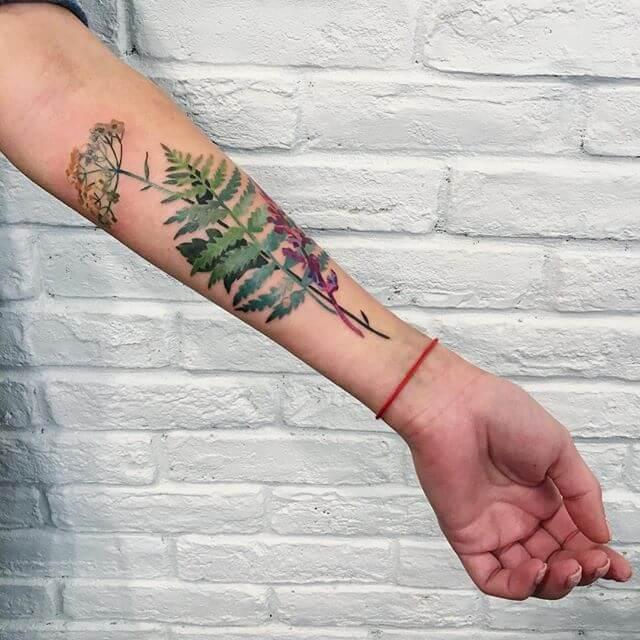 Folla de forearm de tatuaxe
