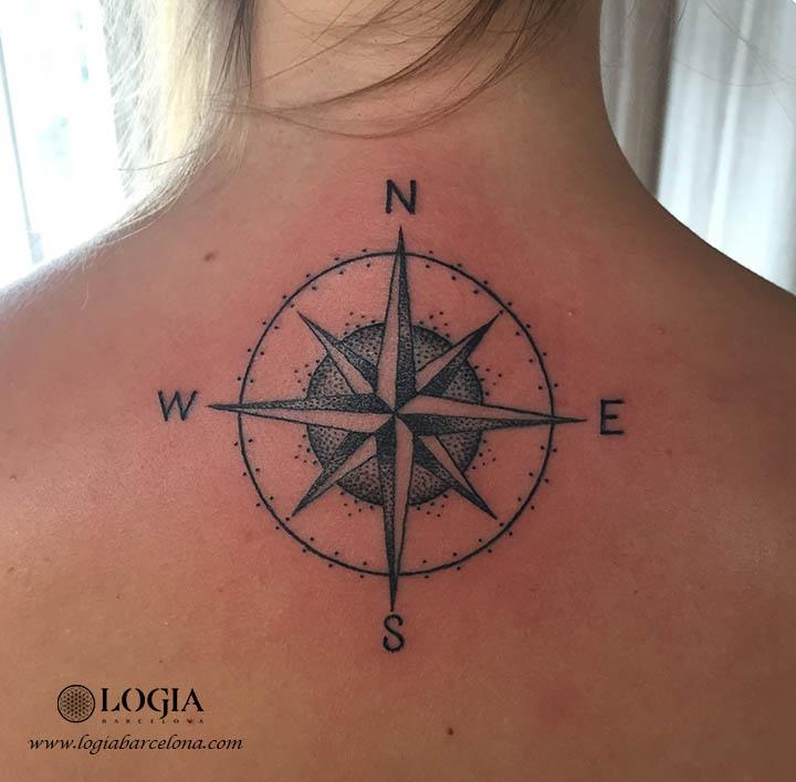 tatuatge rosa dels vents Logia Barcelona