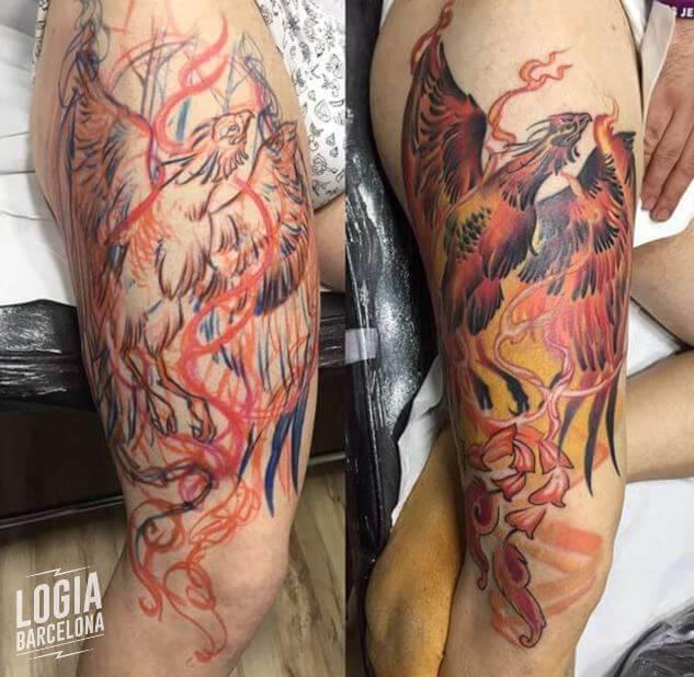 Tatuaje ave fenix fuego realista Zoen Logia Barcelona