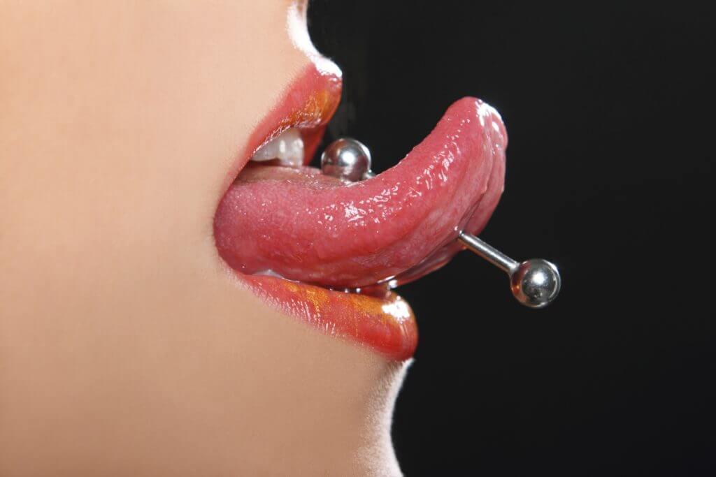 Pírcing a la llengua