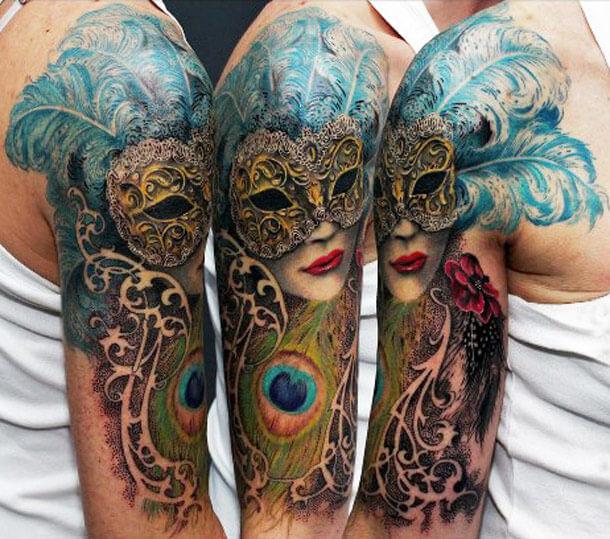 Braço de tatuagem na Logia de cor BCN