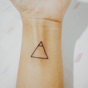 tatuajes-minimalistas-gilfo