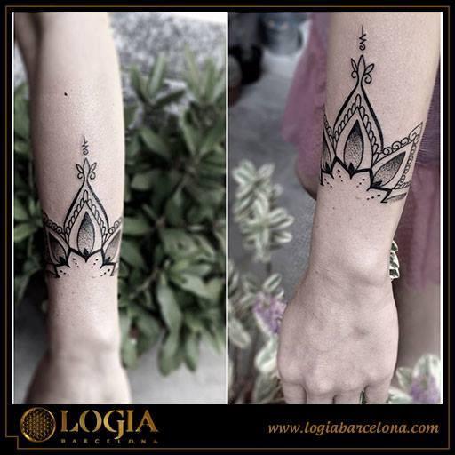 ᐅ Mejores Tatuajes De Flor De Lotosignificado E Imágenes