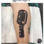 El micrófono es el tatuaje de la expresión
