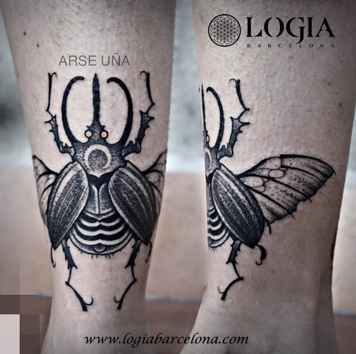 tatuaje tradicional escarabajo pierna logia barcelona arse