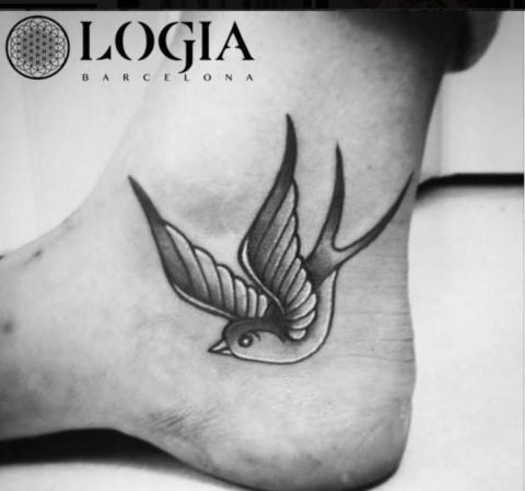Tatuajes De Pájaros Volando Tatuajes Logia Barcelona
