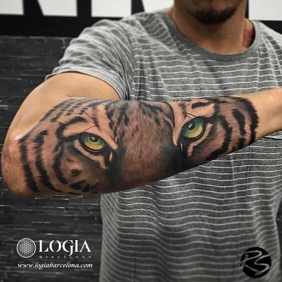 Tatuagem de antebraço Tiger Logia BCN