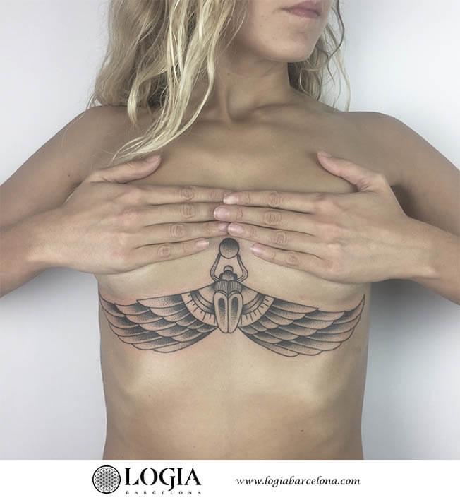 tatuaje abdomen mariposa egipcia logiabarcelona ana godoy