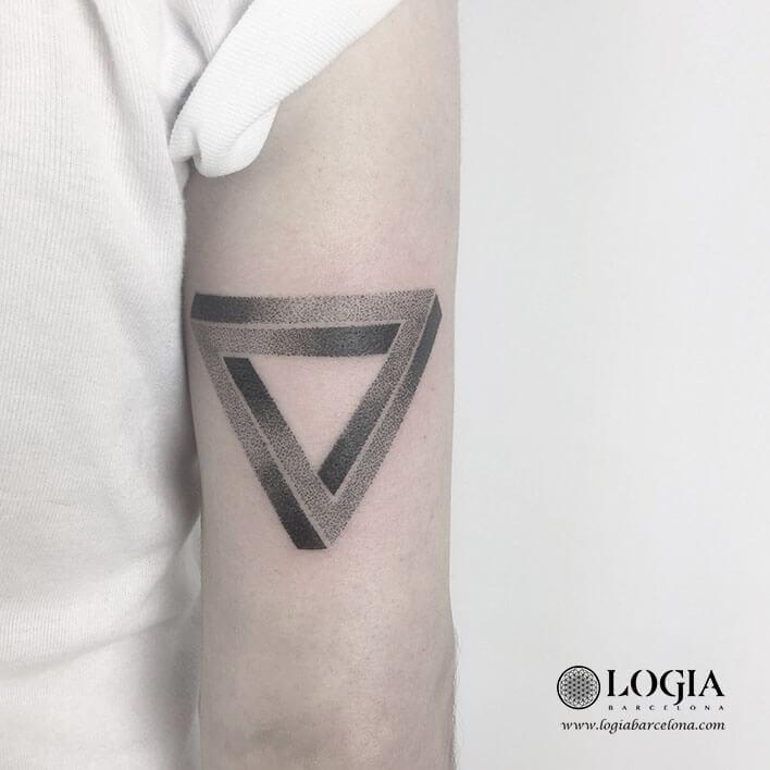 tatuaje psicologia triangulo imposibel
