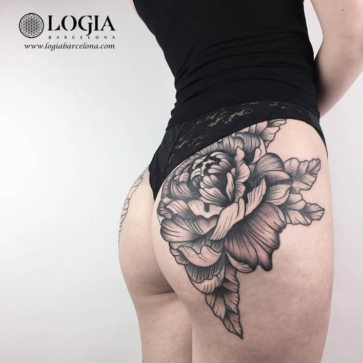 tatuaje culo flores logia barcelona ana godoy