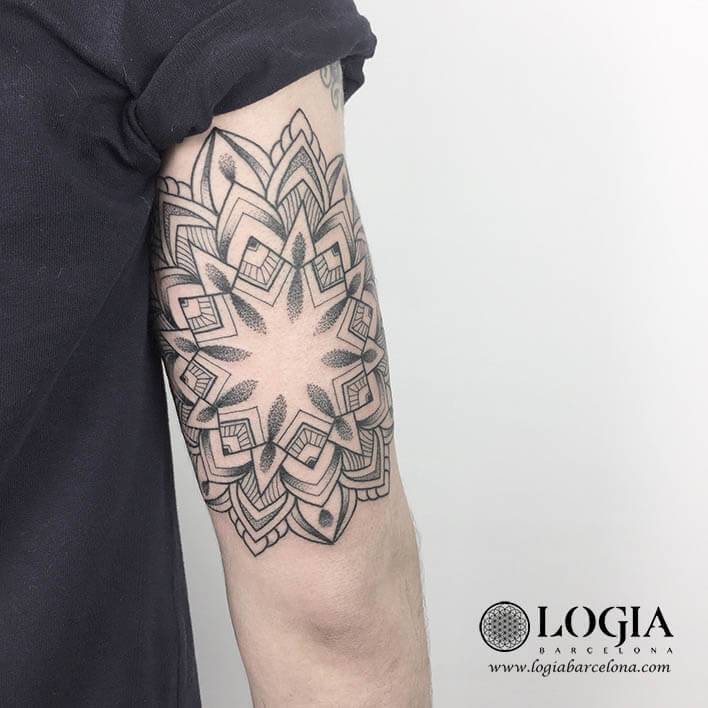 Tattoo tríceps Mandala Logiabarcelona Ana Godoy