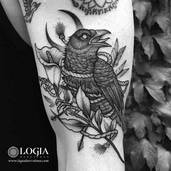 tatuaje brazo demonio japones cuervo barcelona uri torras