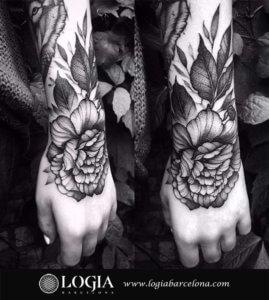 tatuaje brazo flor barcelona uri torras
