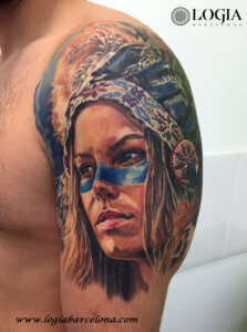 Tatuaje india hombro logia barcelona angel