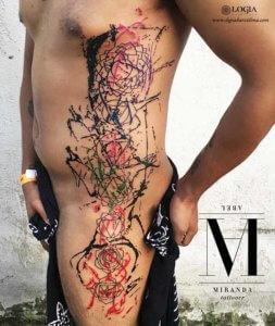 tatuaje de cintura a pierna geometrico color napoli logiabarcelona abel