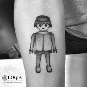 tatuaje brazo playmobil logiabarcelona pepo