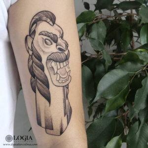 tatuaje carranca brazo logiabarcelona luana xavier