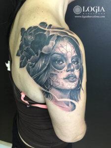 tatuaje chicana hombro logia barcelona Zoen