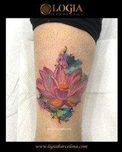tatuaje flor pierna logia barcelona kathycaboom