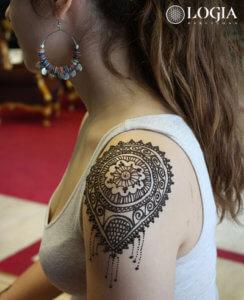 tatuaje henna brazo mandala logia barcelona 2