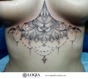 tatuaje mandala abdomen logia barcelona Zoen