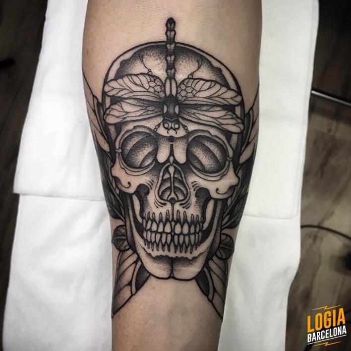 Tatuaje Calavera Blackwork