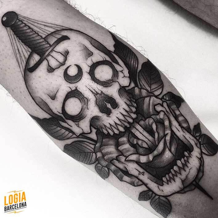 Tattoo Calavera Blackwork Newschool Logia Barcelona