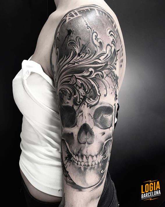 Tattoo de Calavera Blackwork Realismo Logia Barcelona