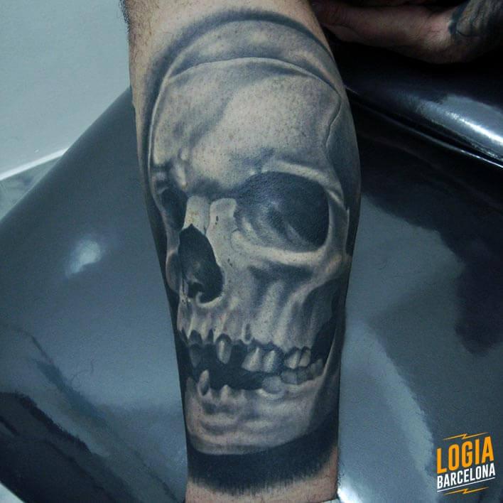 Tattoo Calavera Realismo Logia Barcelona