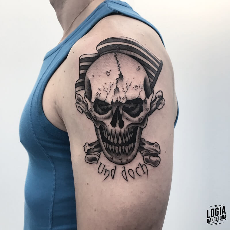 tattoo hombro newschool calavera logia barcelona