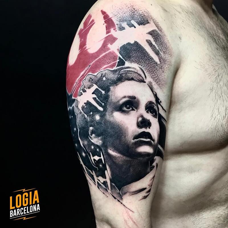 tatuaje hombro star wars realismo logia barcelona