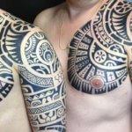 tatuaje hombro maori logia barcelona