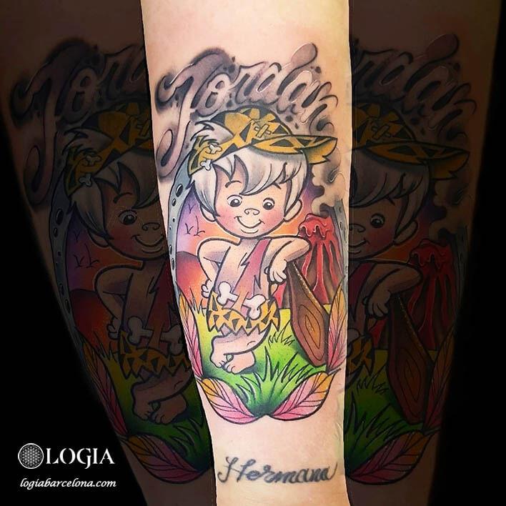 tatuaje color antebrazo picapiedra logia barcelona gianluca modesti